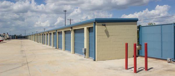 Move It Self Storage - La Feria 3401 West Expressway 83 La Feria, TX - Photo 3