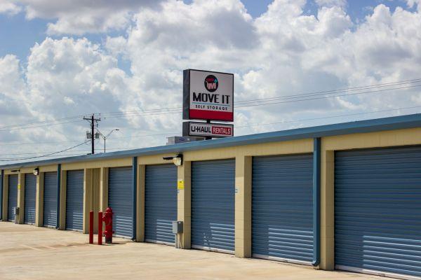 Move It Self Storage - La Feria 3401 West Expressway 83 La Feria, TX - Photo 15