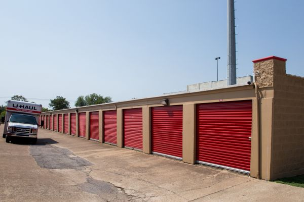Move It Self Storage - LBJ 8500 Lbj Fwy Dallas, TX - Photo 3