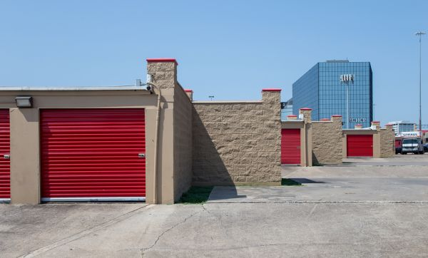 Move It Self Storage - LBJ 8500 Lbj Fwy Dallas, TX - Photo 4
