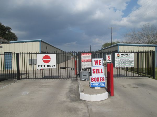Move It Self Storage - San Benito 1770 W EXPRESSWAY 77/83 SAN BENITO, TX - Photo 2