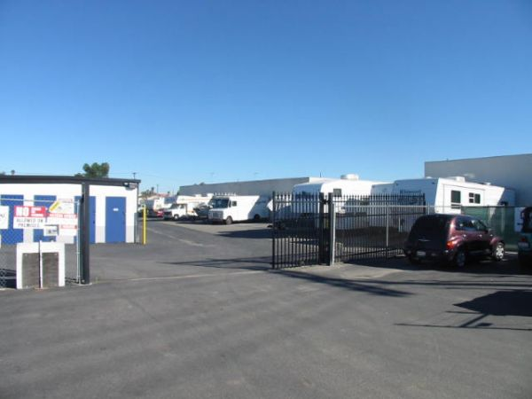 SuperStorage - Olive 415 Olive Avenue Vista, CA - Photo 9