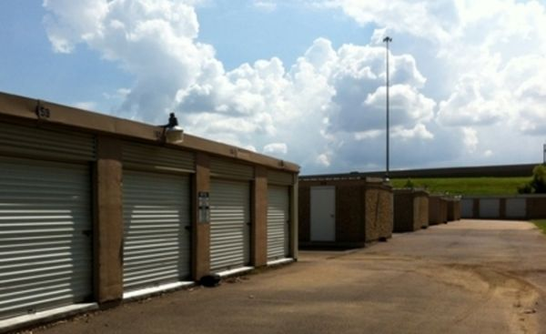 MidSouth Mini Storage 841 Town And Country Drive Southaven, MS - Photo 2