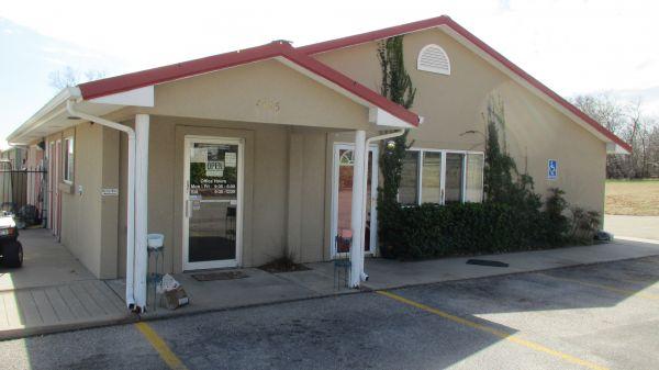 ... Pawnee STOR ALL4545 East Pawnee Street   Wichita, KS   Photo 0 ...