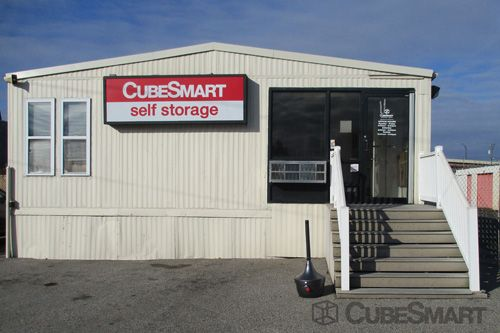 CubeSmart Self Storage - Philadelphia - 456 North Christopher Columbus Boulevard 456 North Christopher Columbus Boulevard Philadelphia, PA - Photo 1