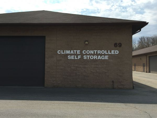 SelfStorageNearMe - Ashwood Park Temperature Controlled Self-Storage 69 O'connor Road Fairport, NY - Photo 0