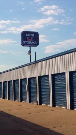 Mini U Storage - Kingwood 1964 Northpark Drive Kingwood, TX - Photo 4