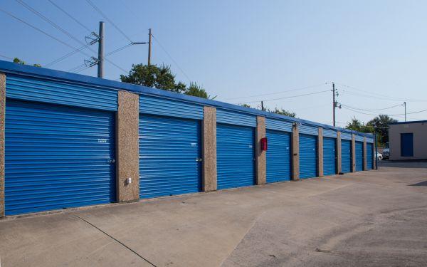 Move It Self Storage - Grand Prairie 2422 Robinson Road Grand Prairie, TX - Photo 8