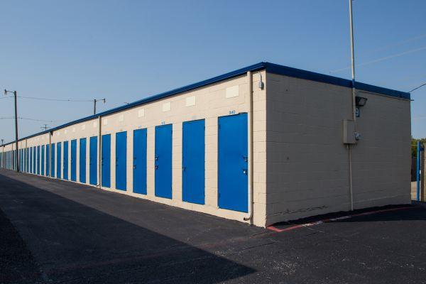 Move It Self Storage - Grand Prairie 2422 Robinson Road Grand Prairie, TX - Photo 9