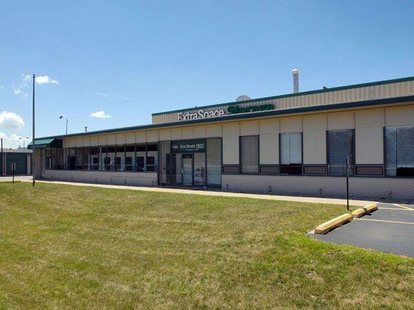 ... Extra Space Storage   Skokie   North McCormick7540 Mccormick Boulevard    Skokie, IL   Photo ...