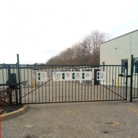 Prime Storage - Holtsville (Waverly) 970 Waverly Avenue Holtsville, NY - Photo 1