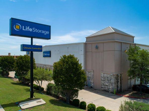 Life Storage - Austin - West Braker Lane 2607 West Braker Lane Austin, TX - Photo 2