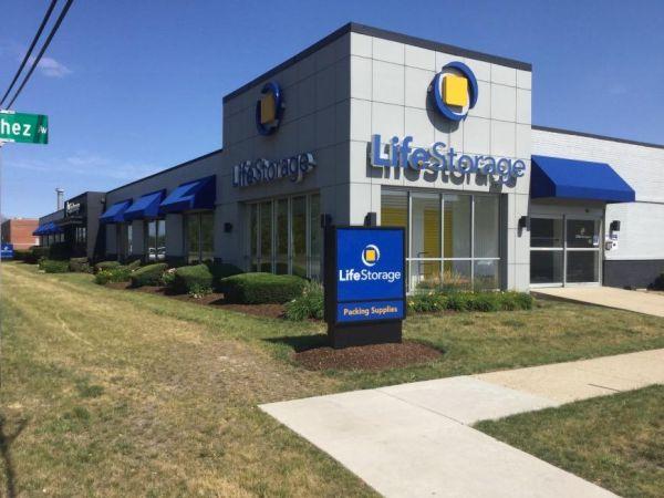 Life Storage - Morton Grove 6505 Oakton Street Morton Grove, IL - Photo 0