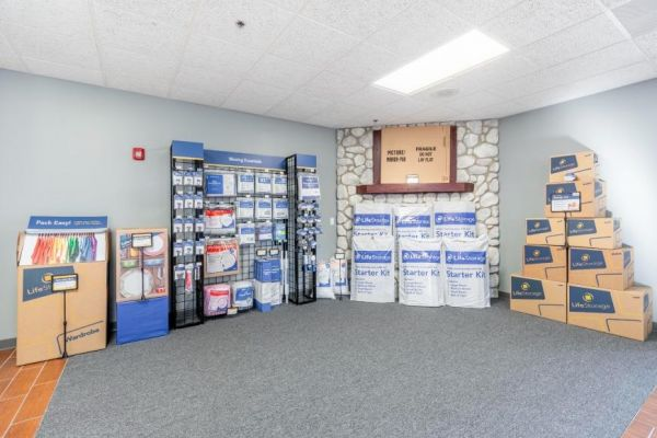 Life Storage - Addison 426 South Westgate Street Addison, IL - Photo 5