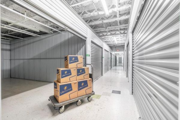 Life Storage - Addison 426 South Westgate Street Addison, IL - Photo 2