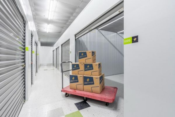 Life Storage - Elgin 450 Airport Road Elgin, IL - Photo 5