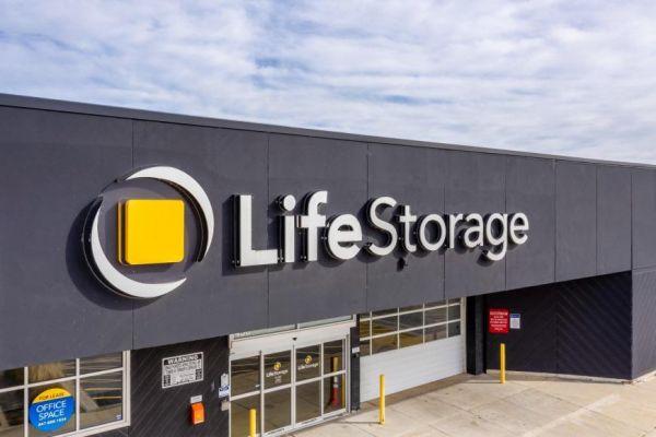 Life Storage - Elgin 450 Airport Road Elgin, IL - Photo 0