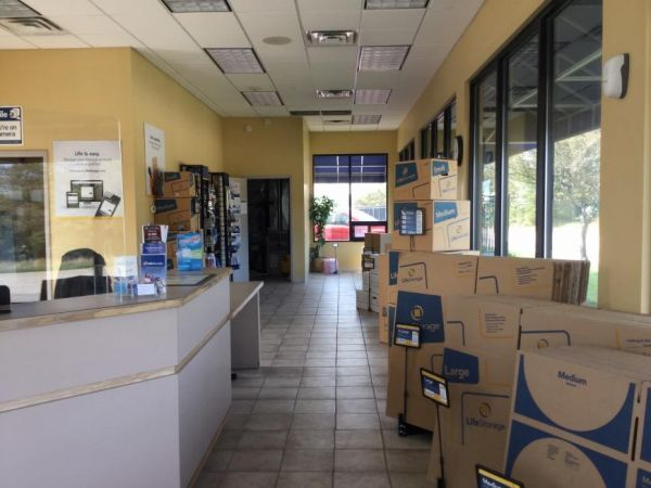 Life Storage - South Chicago Heights 3200 Holeman Avenue South Chicago Heights, IL - Photo 3