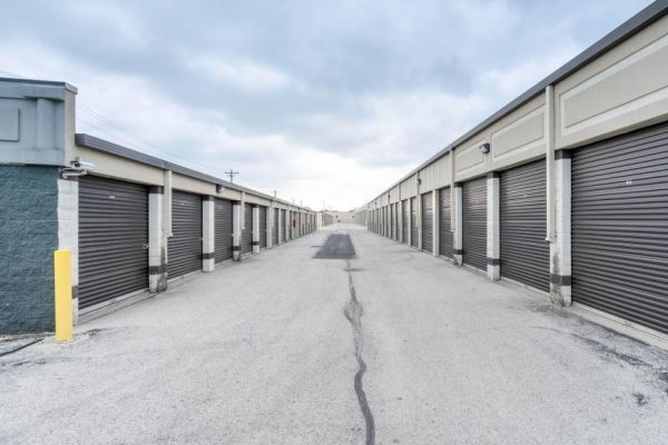 Life Storage - South Chicago Heights 3200 Holeman Avenue South Chicago Heights, IL - Photo 8