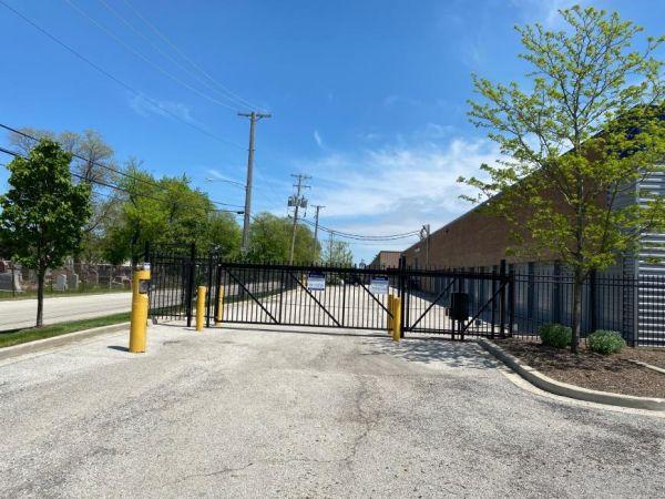 Life Storage - Forest Park 1800 Desplaines Avenue Forest Park, IL - Photo 2