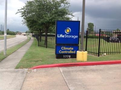 Life Storage - Houston - East T C Jester Boulevard 1770 East T C Jester Boulevard Houston, TX - Photo 8
