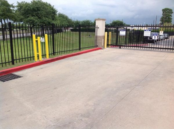 Life Storage - Houston - East T C Jester Boulevard 1770 East T C Jester Boulevard Houston, TX - Photo 4