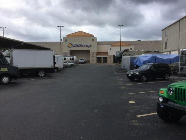 Life Storage - Houston - East T C Jester Boulevard 1770 East T C Jester Boulevard Houston, TX - Photo 5