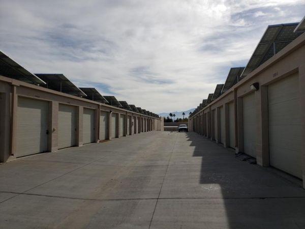 Life Storage - Palm Desert