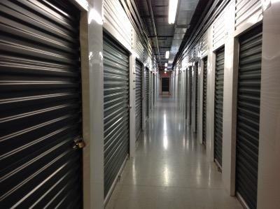 Life Storage - Winter Garden: Lowest Rates - SelfStorage.com