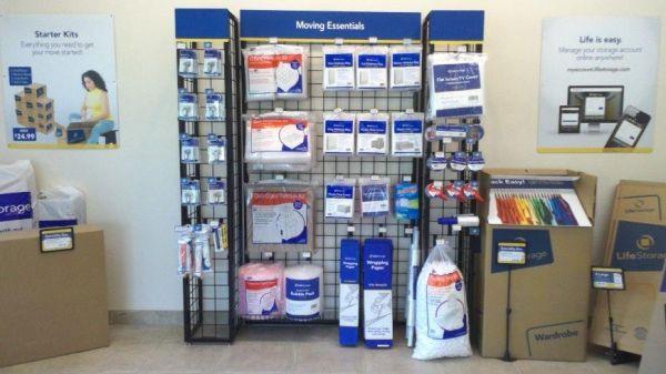Life Storage - Sacramento - Folsom Boulevard 7716 Folsom Boulevard Sacramento, CA - Photo 3