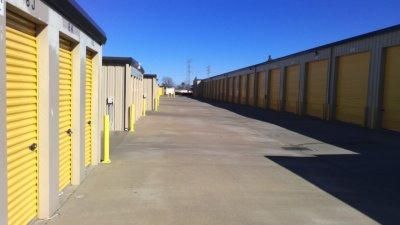 Life Storage - Sacramento - Goldenland Court 55 Goldenland Court Sacramento, CA - Photo 2