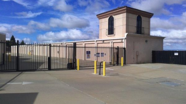 Life Storage - Sacramento - Bayou Way 3800 Bayou Way Sacramento, CA - Photo 5