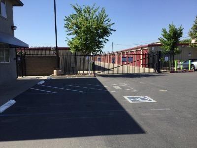 Life Storage - Sacramento - Fruitridge Road 8870 Fruitridge Road Sacramento, CA - Photo 2