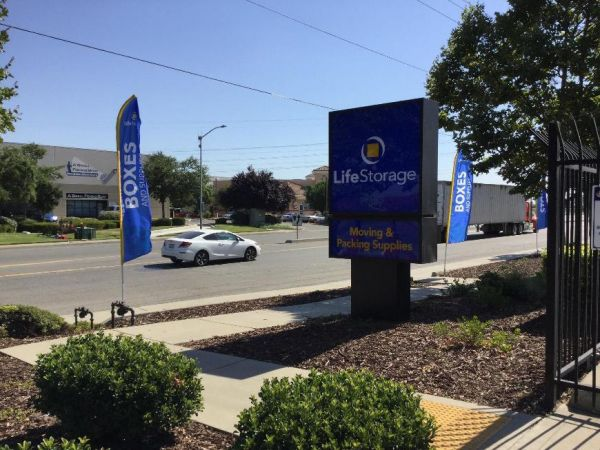 Life Storage - Sacramento - Fruitridge Road 8870 Fruitridge Road Sacramento, CA - Photo 3