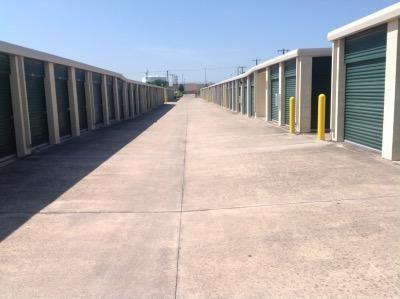 Life Storage - San Antonio - US 281 23860 U.s. 281 San Antonio, TX - Photo 2