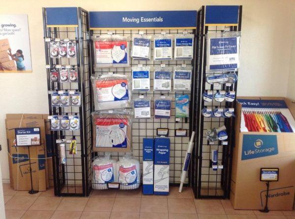 Life Storage - San Antonio - US 281 23860 U.s. 281 San Antonio, TX - Photo 4