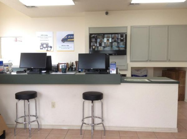 Life Storage - San Antonio - US 281 23860 U.s. 281 San Antonio, TX - Photo 5