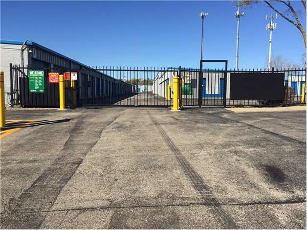 ... Extra Space Storage - Mundelein - S Lake St1510 South Lake Street - Mundelein IL ... & Extra Space Storage - Mundelein - S Lake St: Lowest Rates ...
