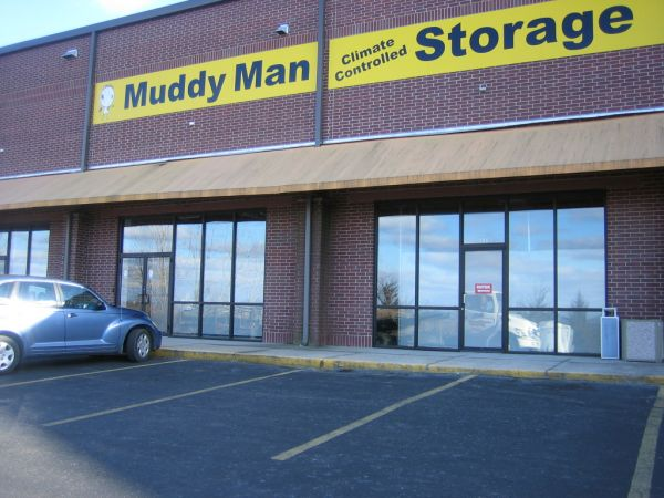Muddy Man Climate Controlled Storage at Vista Plaza (across from Walmart on Hwy 76) 2005 Missouri 76 Branson, MO - Photo 0