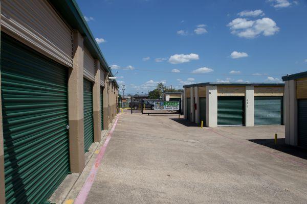 Move It Self Storage - West Arlington 2704 West Division Street Arlington, TX - Photo 7
