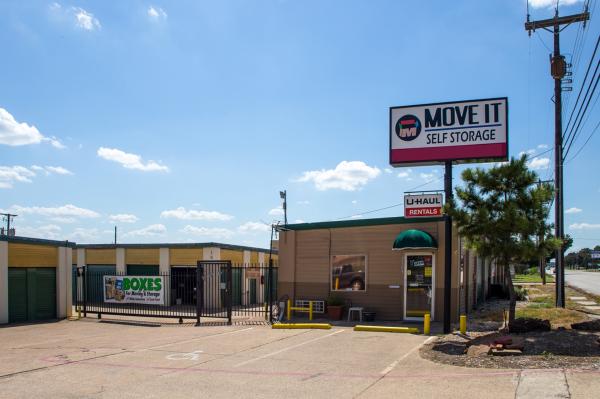 Move It Self Storage - West Arlington 2704 West Division Street Arlington, TX - Photo 0