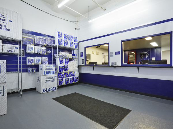 ... Manhattan Mini Storage   Chelsea Piers   531 West 21st Street531 West  21st Street   New ...