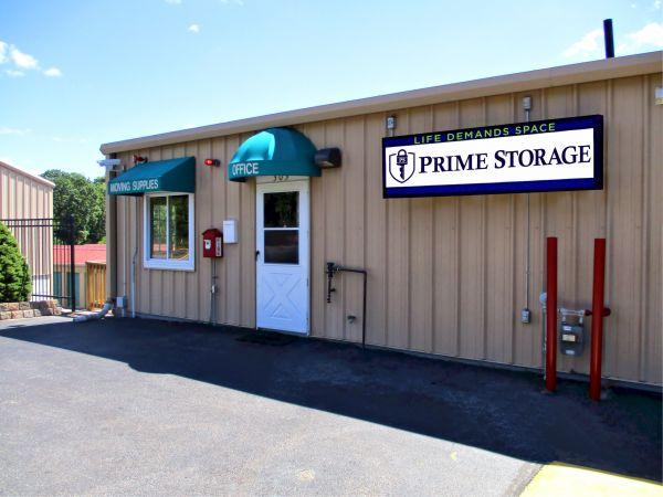 Prime Storage - Dracut - Broadway 303 Broadway Road Dracut, MA - Photo 4