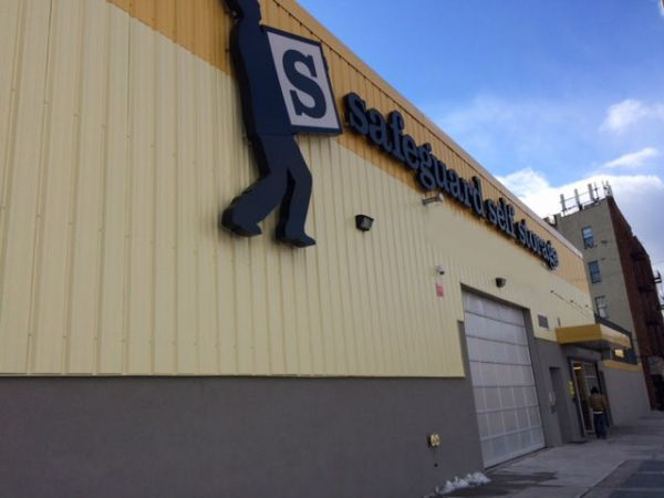 Safeguard Self Storage - Bronx - East Tremont 1112 East Tremont Avenue Bronx, NY - Photo 0