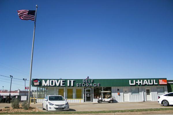 Move It Self Storage - Temple 2708 S 39th St Temple, TX - Photo 0