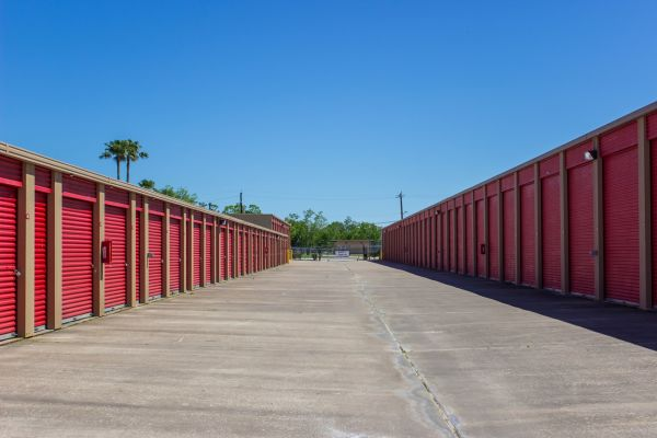Move It Self Storage - Kemah 525 Cien Road Kemah, TX - Photo 9