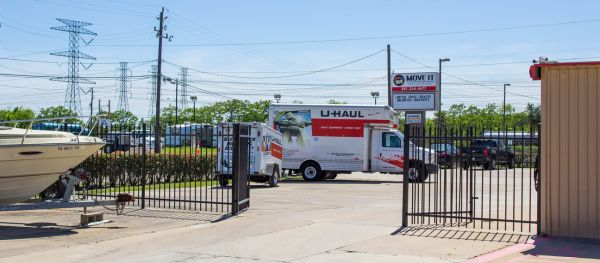 Move It Self Storage - Kemah 525 Cien Road Kemah, TX - Photo 14