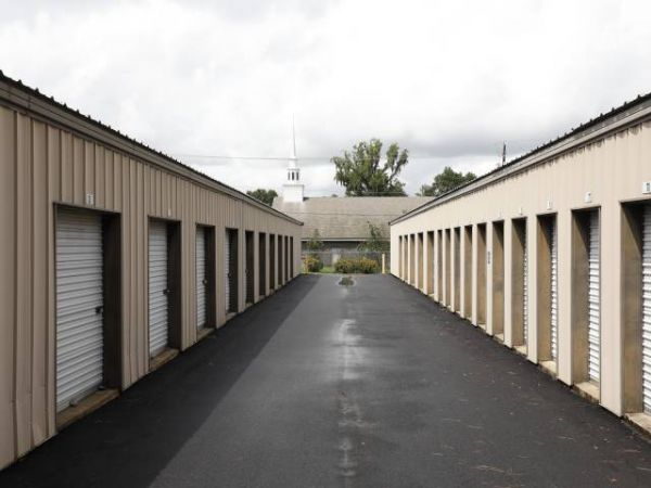 Storage Rentals of America - Beaufort - 649 Parris Island Gateway 649 Parris Island Gateway Beaufort, SC - Photo 4