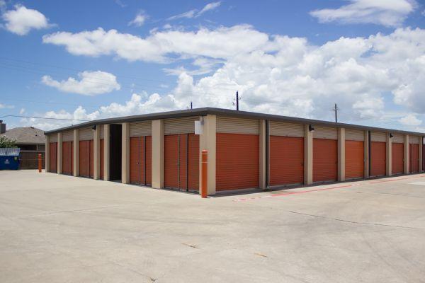 Move It Self Storage - Weber Road 6752 Weber Rd Corpus Christi, TX - Photo 4