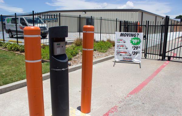 Move It Self Storage - Weber Road 6752 Weber Rd Corpus Christi, TX - Photo 11